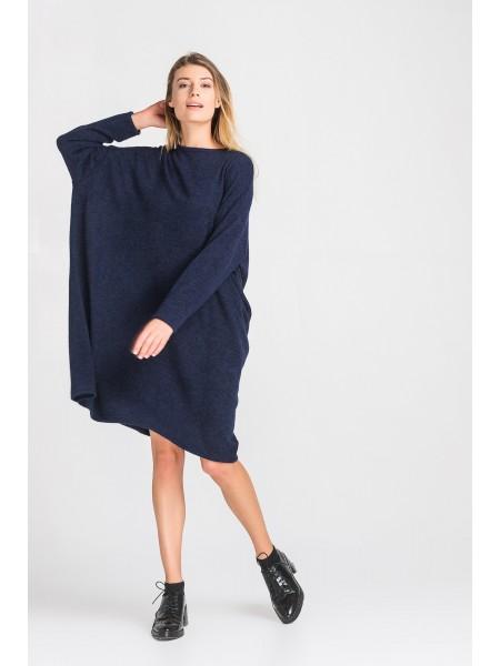 Теплое платье оверсайз из ангоры
