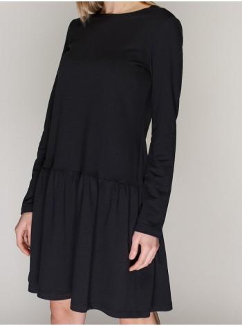 Платье с расклешенной юбкой в черном цвете. Сезон весна - лето