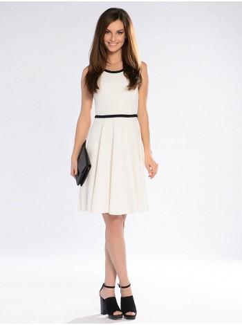 Платье с округлым вырезом горловины. Сезон весна - лето