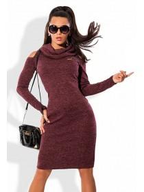 Платье теплое с вырезом на плечах