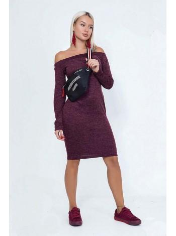 Платье ангоровое с открытыми плечами цвета бордо