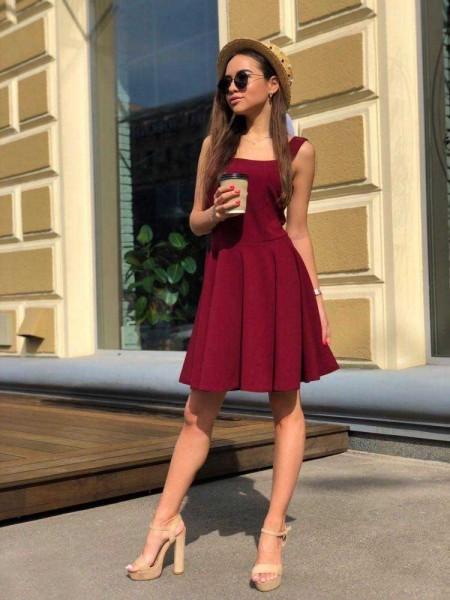 Коктейльное платье бордовое